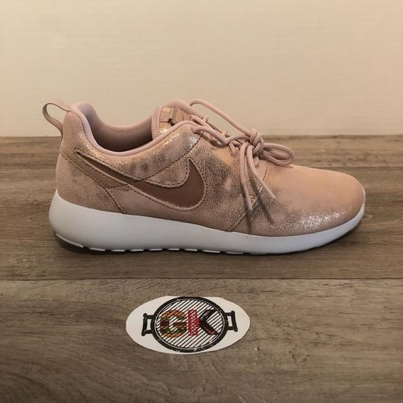 Womens Nike Rose Gold Roshe One Prm
